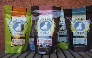 Healthy dog treats for training – Green Bark Gummies review